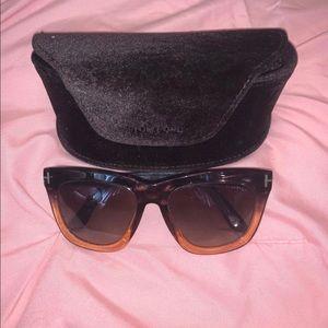 Tom Ford Celina Sunglasses  and Velvet TF 🕶 Case